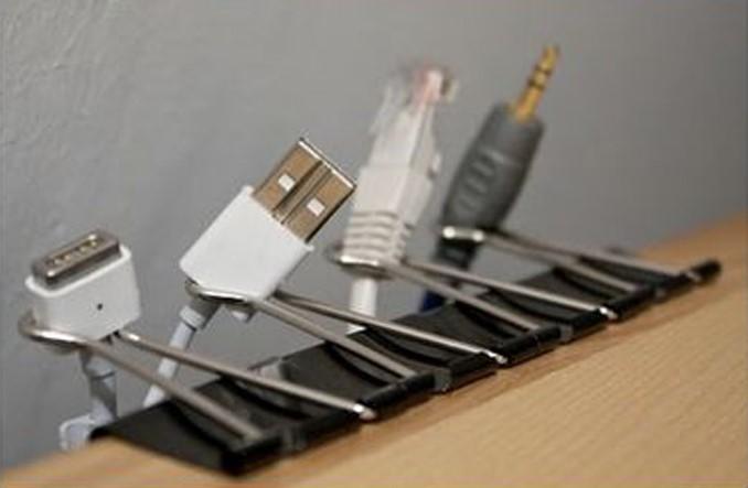 Trik Pintar Menata Kabel Charger di Rumah | Magiclean